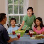 Prevenire i disturbi alimentari, costruendo col cibo un sano rapporto fin da piccoli